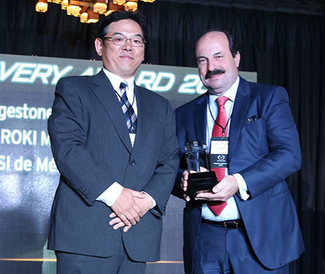 Recibe Bridgestone el premio 'Delivery Award' de Mazda Motors Vehicles Operations
